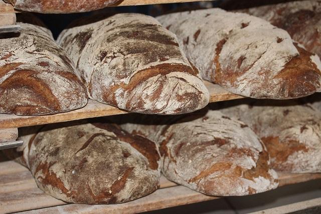 lees alles over het zelf brood bakken in de oven en broodbakmachine